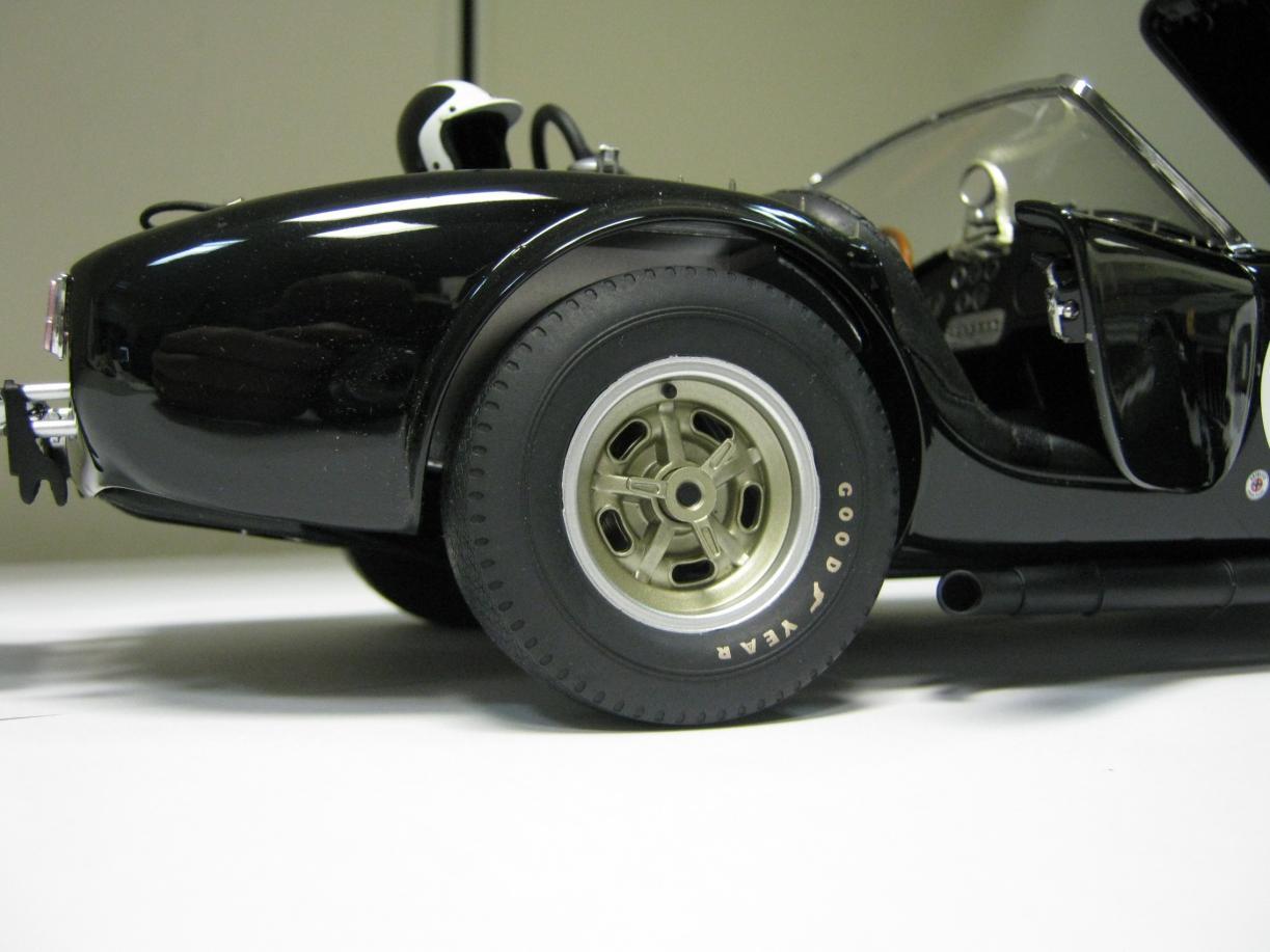 Name:  Cobra_289_Comp_wheel_rearb.jpg Views: 473 Size:  86.5 KB