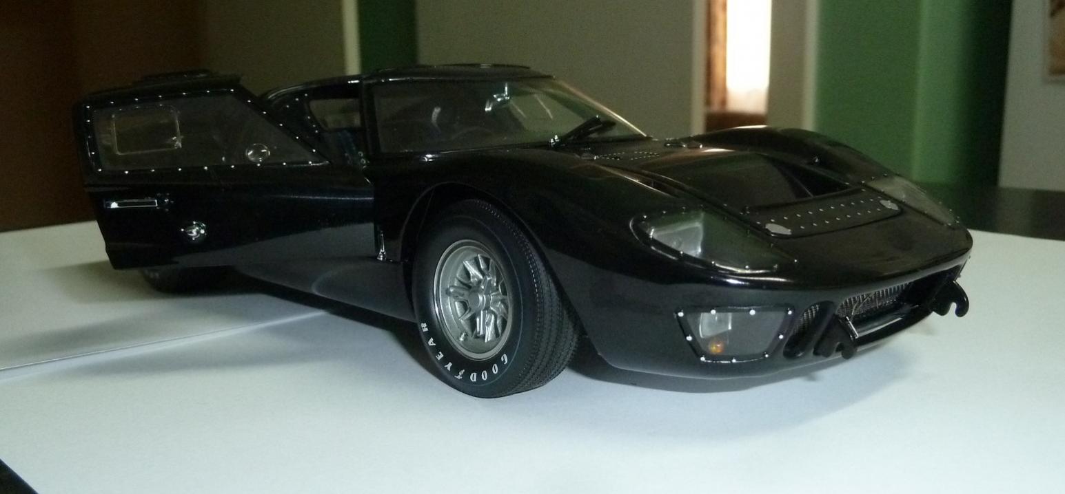 Name:  GT40_MkII_Exoto_black_3s.jpg Views: 125 Size:  85.7 KB
