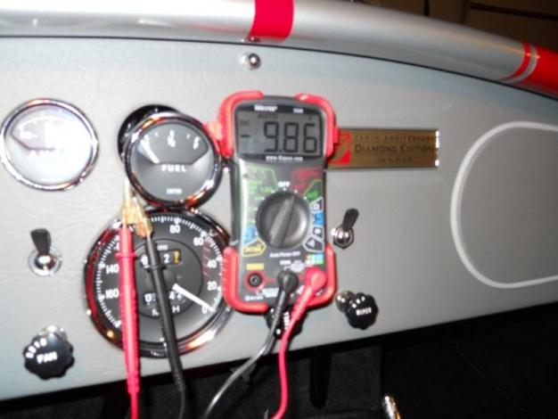 18256d1296618561 fuel gauge stopped working fuel gage wires 9.86 volts w ignition fuel gauge stopped working page 2 club cobra smiths fuel gauge wiring diagram at n-0.co