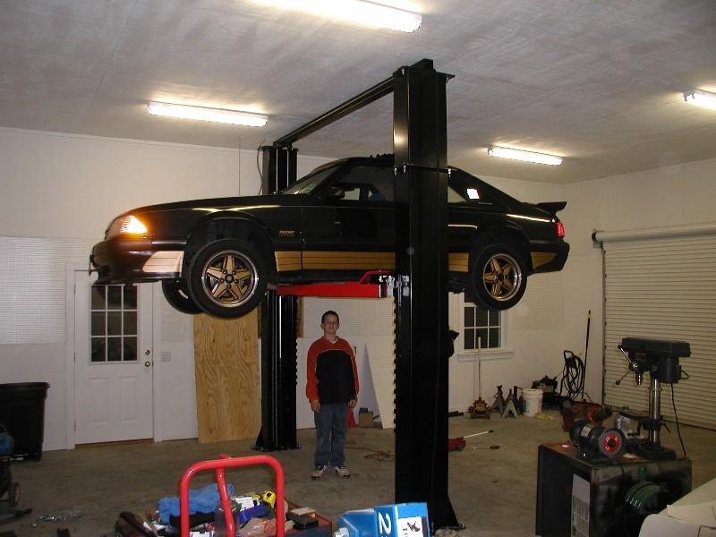Hoist Garage Heights Club Cobra