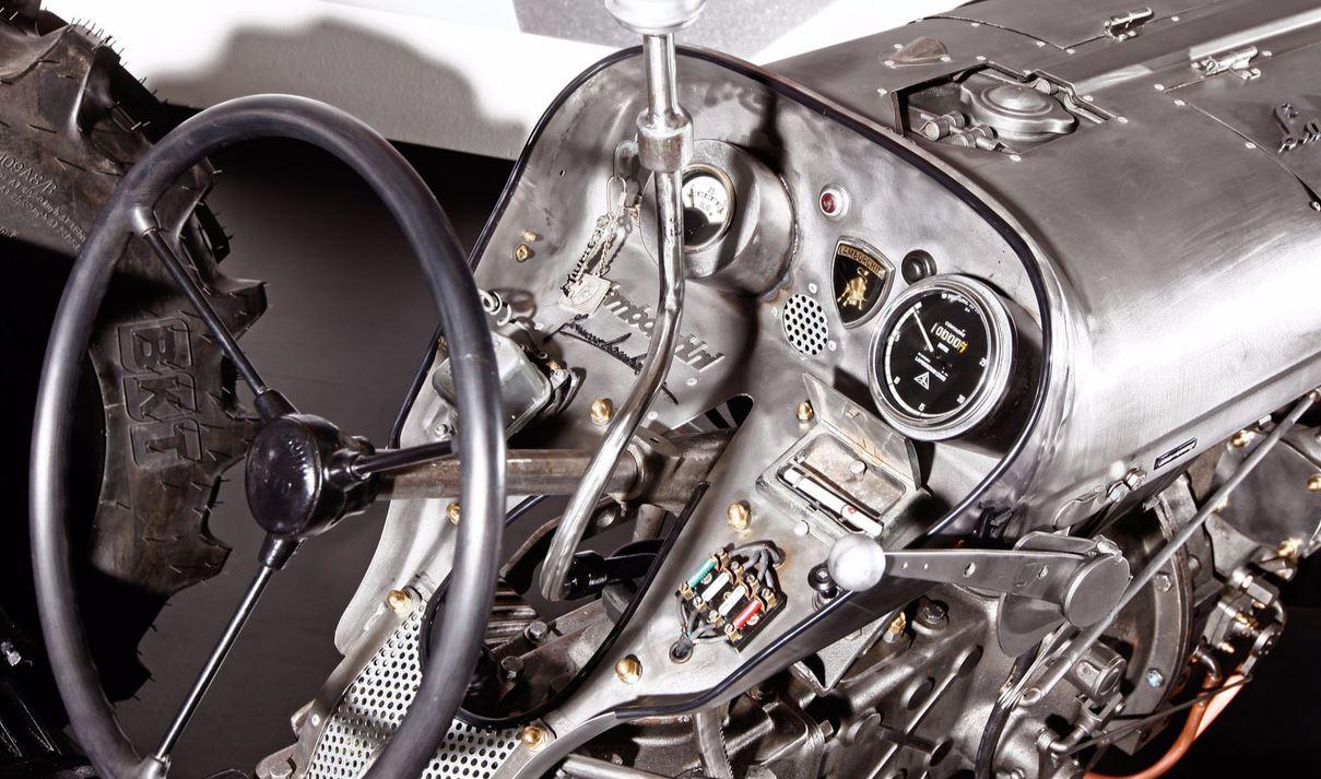 z_Lamborghini-Tractori_dash